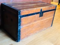 Antique refinished trunk Martinsburg, 25403