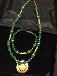 green and gold beaded necklace Los Ángeles, 91403
