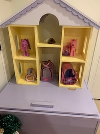 Doll house toy box  Chantilly, 20152