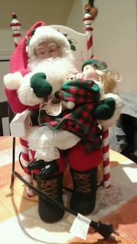 Santa with girl 17 and half inches high Brampton, L6T 1S8