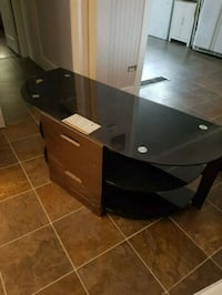 Glass tv stand London, N5Z 2R6