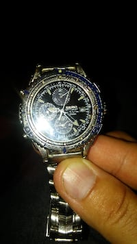 Men's Seike Chronograph watch, model # 7T32-7E49) 44 km
