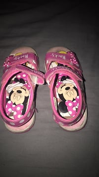 Pair of pink-and-white flip-flops Pecos, 87552