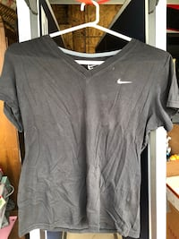 Women's Nike shirt-slim fit large Myrtle Beach, 29577
