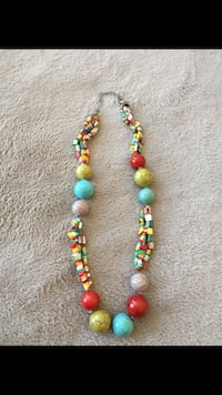 Colorful beaded necklace  2062 mi