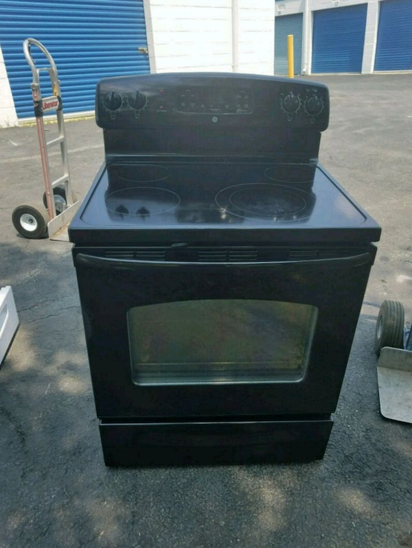 black induction range with oven