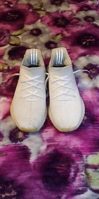 Yeezy 350 Cream v2 London, N5W 1Y3