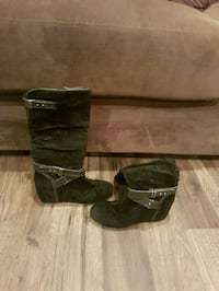 pair of black suede boots Airdrie, T4B