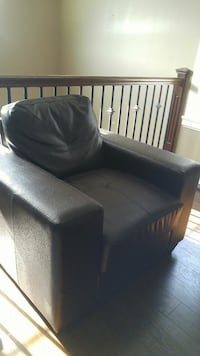 black leather 2-seat sofa Mission, V2V 7P9