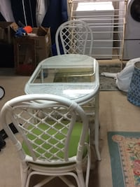 White rattan table and two chairs, glass top Sandwich, 02563