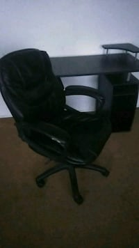 black leather padded rolling chair Fairfax, 22030