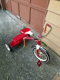 toddler's red and white trike Snellville, 30039