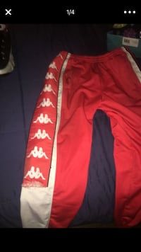 Kappa sweats size large  Slight rip  Upper Marlboro, 20772