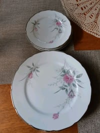 8 piece porceline dish set