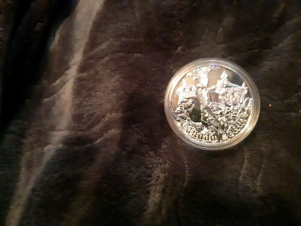 Anniversary coin 50th of queen sterling silver 0ed5bb0e-0822-4d39-8bd8-1f92f9df4421