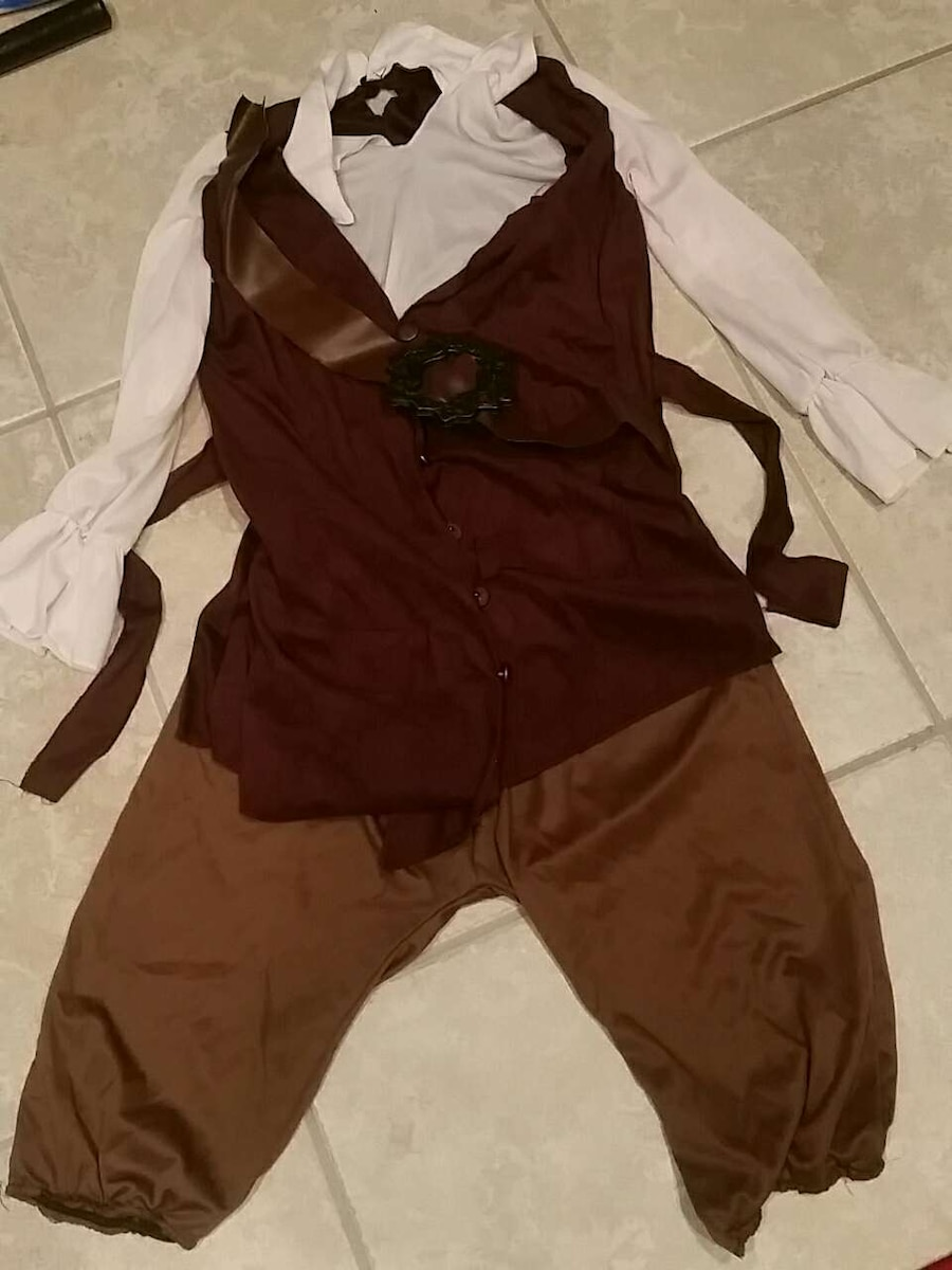 Swashbuckler outfit!!! Youth size 14-16