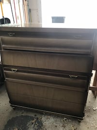 Full size bed frame! Head board, foot board, chest of drawers, and dresser with mirror! Youngstown, 44511