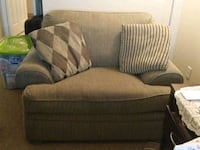 *Reduced* Perfect Condition, Super Comfy! Mississauga, L5V 2T3