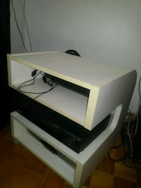 Ikea table for x box, video games exellent condition Toronto, M2M 4B9