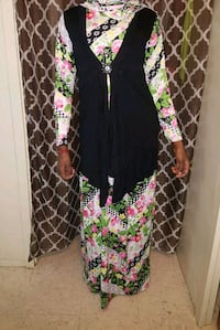 black and multicolored floral long-sleeved dress 226 mi