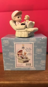 Precious Moments Figurine with box/members only piece Grand Prairie, 75051