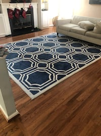 Blue and cream area rug 38 km