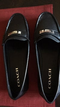 Pair of black leather loafers Indio, 92201