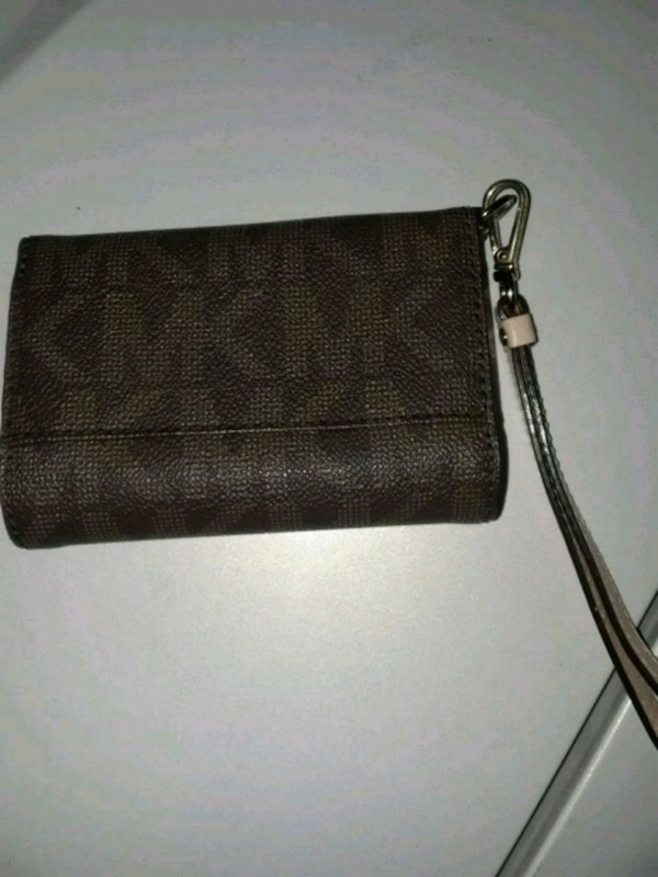 74d05a66bdb0 Used Michael Kors wallet and cell phone case for sale in McKinney - letgo