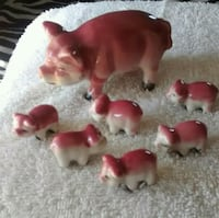 red and white pigs ceramic figurine Taylorsville, 39168