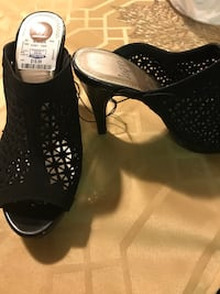 Woman's size 8 heels new