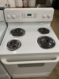 GE White Coil Top Stove