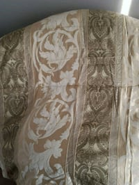 Gold Jacquard Comforter Pointe-Claire