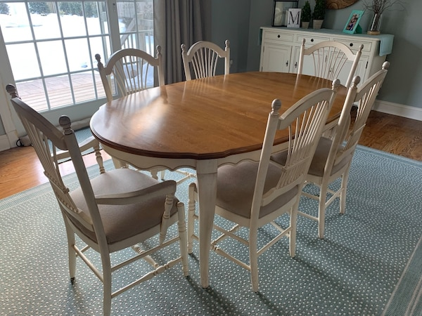 Ethan Allen Country French Dining Table And Chairs