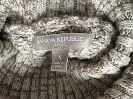 Women's Banana Republic sweater