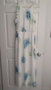 white and blue floral long-sleeved dress Mississauga, L5M 0S4