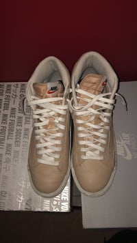 pair of wheat colour Nike mid-high sneakers Mississauga, L5W 1H9