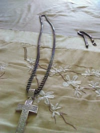 silver chain necklace with cross pendant Newport News, 23607