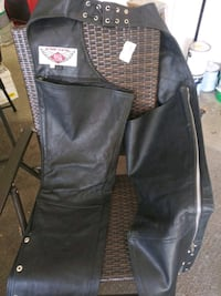 Leather chaps new Oakley, 94561