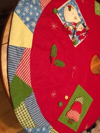 Quilted Christmas tree skirt 924 mi