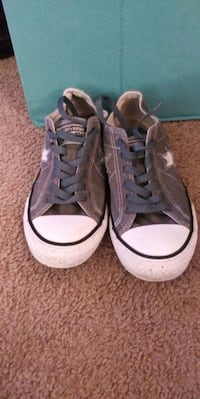 7.5 Women's or Young Teen Grey Converse
