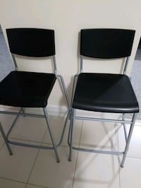 two black counter high chairs East Gwillimbury, L4P 0G8