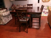 HIGH TOP TABLE WITH 4 CHAIRS  Gaithersburg