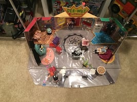 Original Matchbox pee-wee's Playhouse and figures also have a box 180