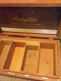 Cigar display box... $20.00obo Sudbury, P3C 5S6