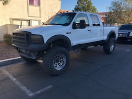 2004 Ford F-250 Super Duty Crew Cab Diesel Lifted Truck 4x4