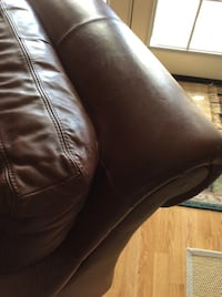 Genuine Leather Over Stuffed Large Chair Riverside, 92506