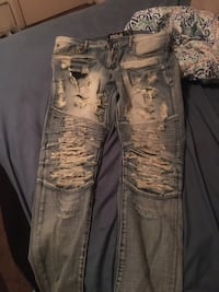 distressed blue-washed jeans Tuscaloosa, 35405