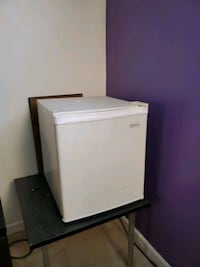 Small Fridge for Man Cave or Dorm Halethorpe, 21227