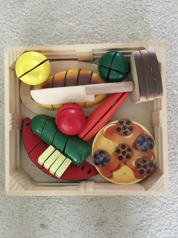 Melissa and Doug Cutting Food b9b7197d-c05a-4e05-bf58-aede45205549
