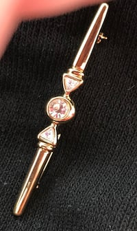 VERY ELEGANT PIN BROOCH...NEVER WORN...ABSOLUTELY GORGEOUS